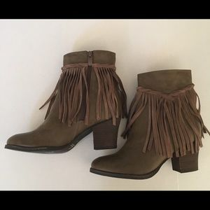 NEW Light Brown Fringe Sbicca Booties